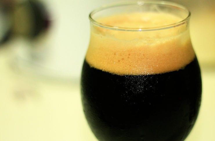 Lo stile Stout: alla scoperta di una birra apparentemente simile alla Porter