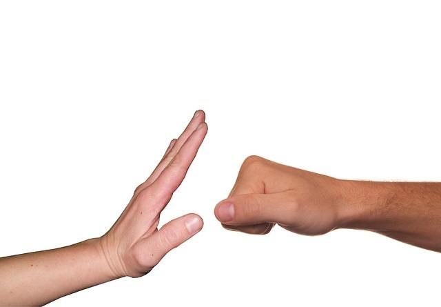 pungo e mano aperta
