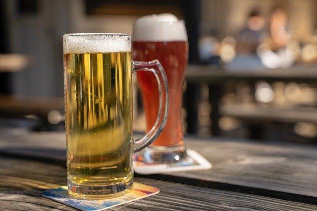 bicchieri birra limpida e torbida
