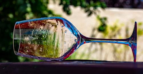bicchiere capovolto e lavato