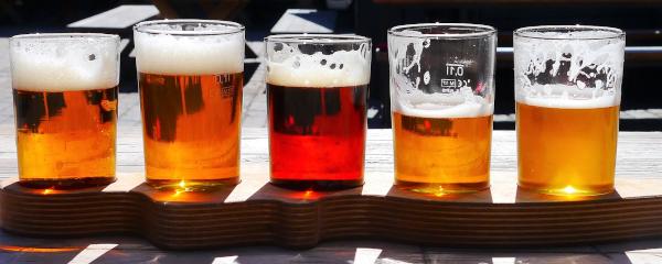 bicchieri di Birre lager