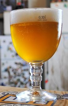 bicchiere birra trappista